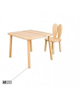 Stolik dla dzieci bukowy