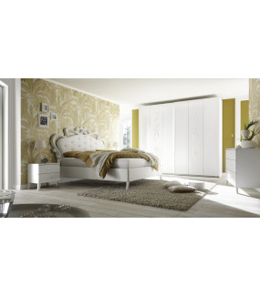 Szafa z drzwiami przesuwnymi CLEOPATRA 243 x 230 cm biała  do sypialni