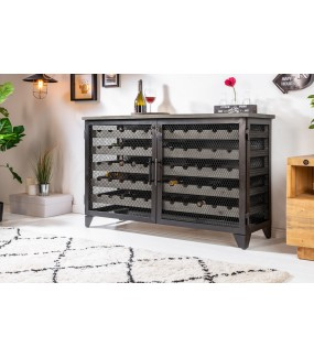 Praktyczna szafka na wino z wysuwanymi szufladami będzie idealny do salonu zaaranżowanym w stylu industrialnym
