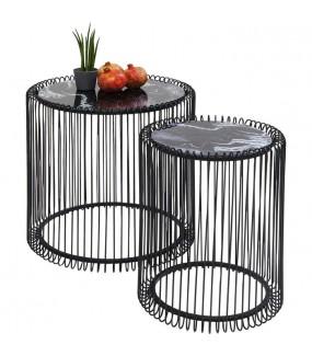 Zestaw stolików idealnie sprawdzi się w salonie w stylu glam jak i w pokoju nowoczesnym.