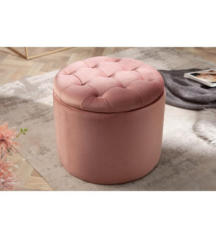 Pufa FABIO II 50 Cm aksamit pudrowy różświetnie zaaranżuje salon w stylu glamour. Idealna do nowoczesnego pokoju.