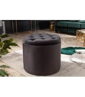 Pufa FABIO II firmy Invicta Interior Design świetnie zaaranżuje salon w stylu glamour.