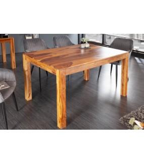 Nadzwyczajny stół do jadalni w stylu klasycznym, jak również nowoczesnym.