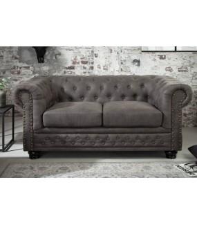 Sofa w stylu klasycznym do salonu