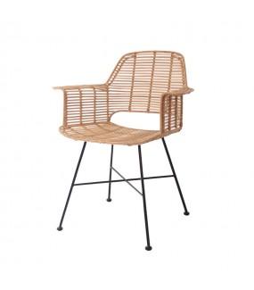 Krzesło TUB rattanowe idealne do salonu w stylu boho. Sprawdzi się w pokoju industrialnym czy na tarasie.