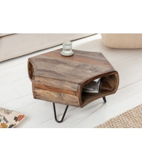 Stolik kawowy ESTANTES Sheesham szary  do salonu w stylu industrialnym. Idealny do pokoju w skandynawskim stylu.