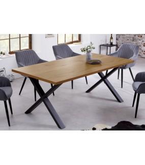 Stół MUSTANG 160 cm w kolorze dębu do jadalni w stylu industrialnym. Idealna do salonu w stylu nowoczesnym.