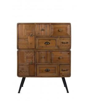 Praktyczna komoda do salonu w stylu vintage. Sprawdzi się w pokoju w stylu retro.