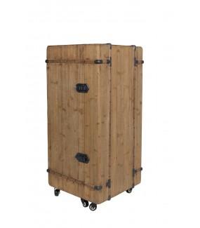 Praktyczny stojak na wino i kieliszki do industrialnego salonu. Świetnie zaaranżuje wnętrze rustykalnego pokoju.