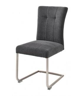 Wygodne krzesło na płozie idealnie wpisze się w skandynawską aranżację jadalni. Odnajdzie się w nowoczesnym pokoju.