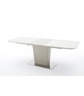 Praktyczny rozkładany stół idealnie wkomponuje się do jadalni w stylu glamour jak i skandynawskiego salonu.