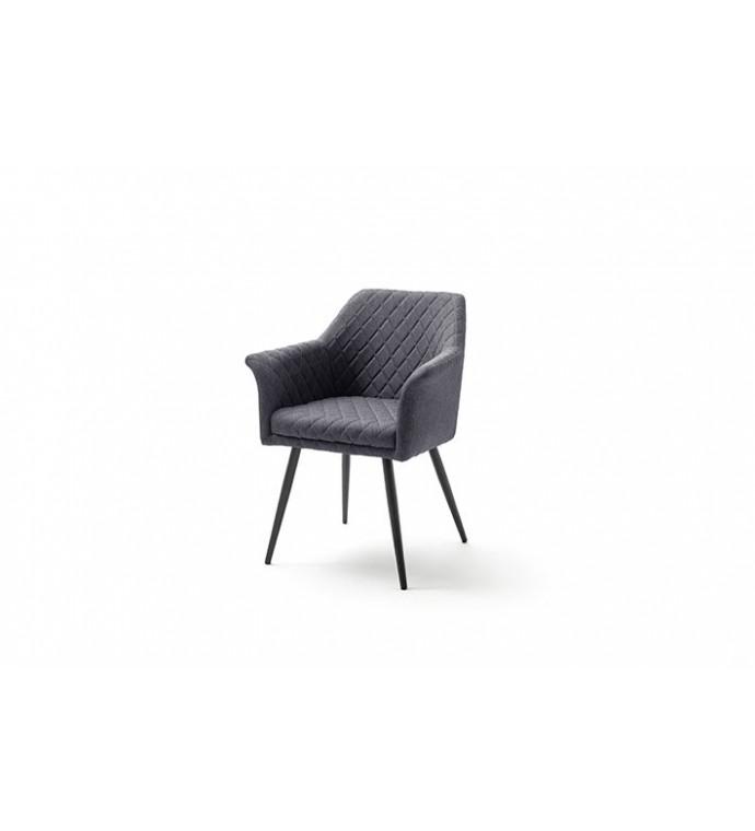 Krzesło COVINA sprawdzi się w gabinecie retro oraz klasycznym salonie.