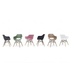 Krzesło idealnie wpisze się we wnętrza industrialne oraz modern classic. Sprawdzi się w przestrzeni publicznej