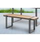 Ławka ogrodowa TORTUGA 123 cm w optyce drewna idealnie odnajdzie się na balkonie lub na tarasie.