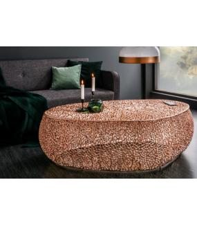 Stolik kawowy LEAF 122 cm miedziany świetnie zaprezentuje się w salonie w stylu glam oraz nowoczesnym pokoju